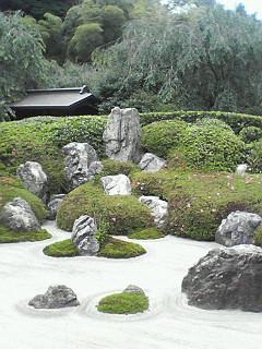 名月院の枯山水庭園