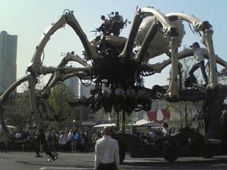巨大クモが! ぶらり横浜の旅4